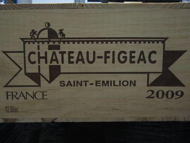 12 bouteilles CHÂTEAU FIGEAC 2009 1er GCC (B) Saint Emilion Caisse bois d'origine