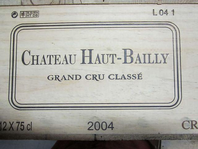 12 bouteilles CHÂTEAU HAUT BAILLY 2004 CC Pessac Léognan Caisse bois d'origine