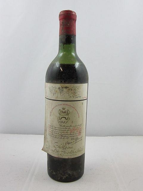 1 bouteille CHÂTEAU MOUTON ROTHSCHILD 1947 1er GC Pauillac (niveau entre mi et basse épaule