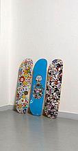 Takashi MURAKAMI Né en 1962 Skateboard deck (set de 3) - 2015 Sérigraphie sur planches de skate en bois