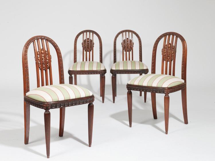 Paul follot 1877 1941 quatre fauteuils et quatre chaises for Chaise medaillon solde