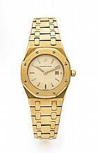 AUDEMARS PIGUET ROYAL OAK n° 014 vers 2005 Belle montre bracelet de dame en or. Boîtier tonneau, lunette octogonale en or. Cadra...