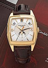 PATEK PHILIPPE GONDOLO CALENDRIER ANNUEL réf: 5135R n° 3425417/4387565 vers 2008. Rare et superbe montre bracelet à quantième annu...