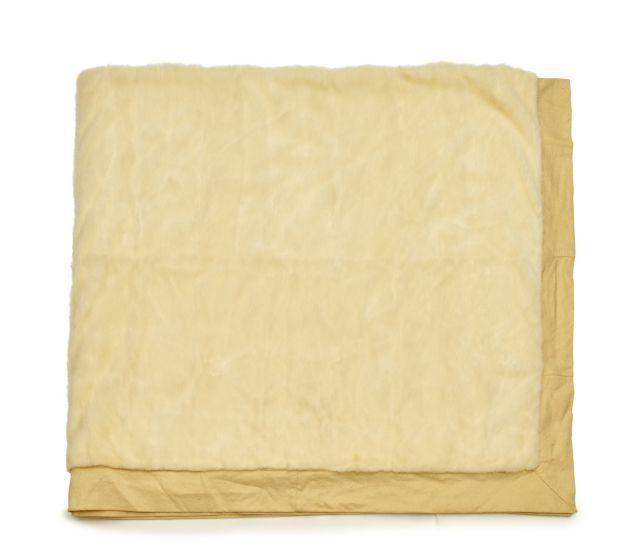 herm s jet de lit vison blanc et laine bouillie environ 2. Black Bedroom Furniture Sets. Home Design Ideas