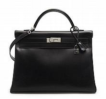 HERMÈS 2008  Sac KELLY 40 cm Veau box noir Garniture métal argenté palladié  40 cm KELLY bag Black box calfskin leat...