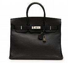 HERMÈS 2010  Sac BIRKIN 35 cm Veau Togo noir Garniture métal argenté palladié  35 cm BIRKIN bag Black Togo calfskin...