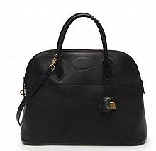 HERMÈS 1992  Sac BOLIDE 35 cm Veau Togo noir Garniture métal plaqué or  35 cm BOLIDE bag Black Togo calfskin leather...