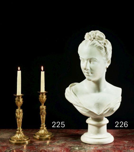 ÉCOLE FRANÇAISE DU XIXe SIÈCLE Portrait de femme Buste en marbre