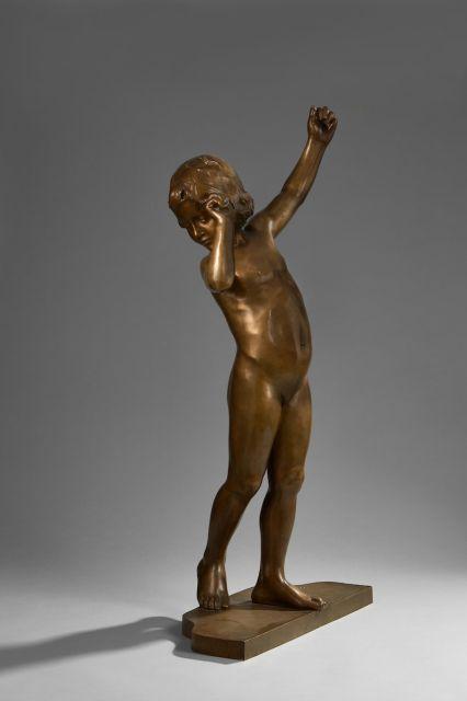 François-Louis VIRIEUX circa 1905 Enfant aux bras levés Bronze à patine brune