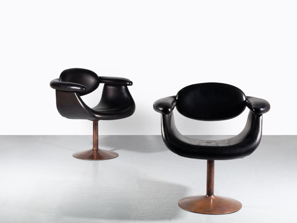 Eero AARNIO Né en 1932 Paire de fauteuils visiteurs mod. Captain chair – création 1966