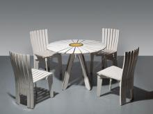 Alvar AALTO & Aino MARSIO-AALTO 1898 - 1976 & 1894 - 1949 Table de jardin mod. 320 dite Sunflower et ses quatre chaises mod. 310 Cré...