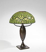 TIFFANY STUDIOS NEW YORK  LAMPE DE TABLE