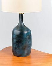 Jacques & Dani RUELLAND (1926 - 2008) et (1933 - 2010) Pied de lampe - circa 1960 Céramique émaillée bleu outremer vert