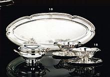 DEUX SAUCIERES, LEUR PLATEAU, ET LEUR DOUBLURE UNIE EN ARGENT, POST 1838 PAR MARC-AUGUSTIN LEBRUN