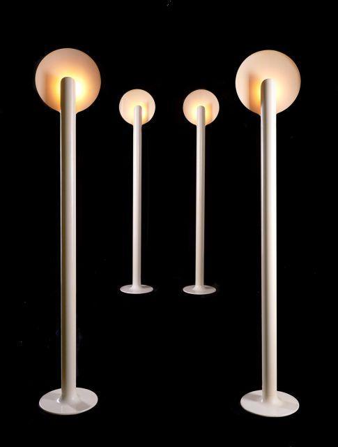 Pierre PAULIN (1927-2009) Rare suite de quatre lampadaires dits