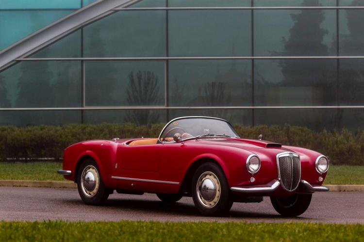 1955 Lancia B24 Spider America Par Pinin Farina