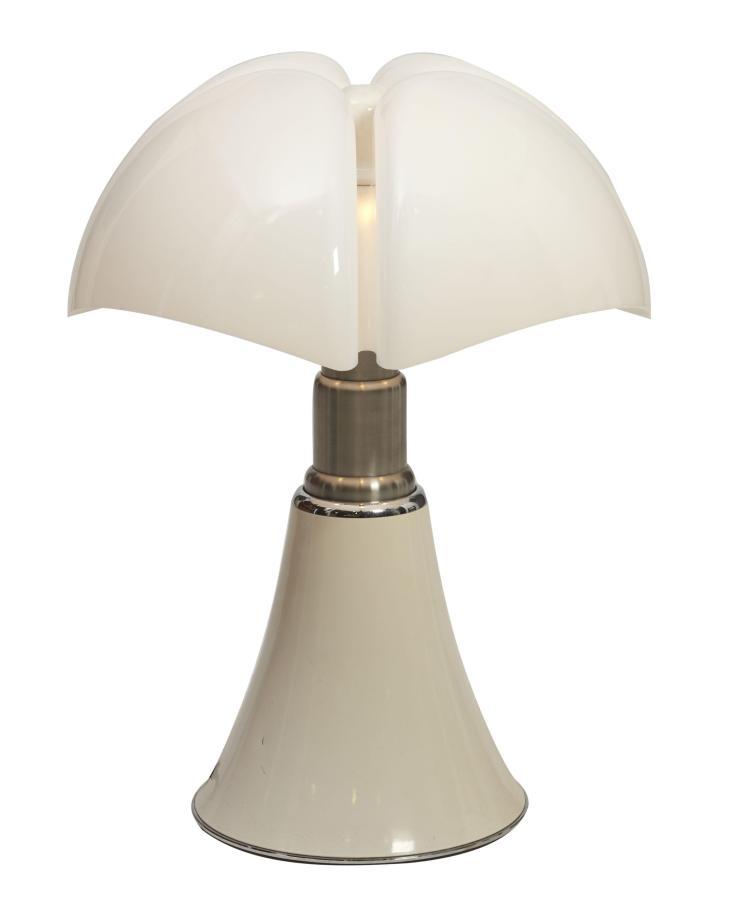 gae aulenti n e en 1927 lampe poser mod 620 dite pipis. Black Bedroom Furniture Sets. Home Design Ideas