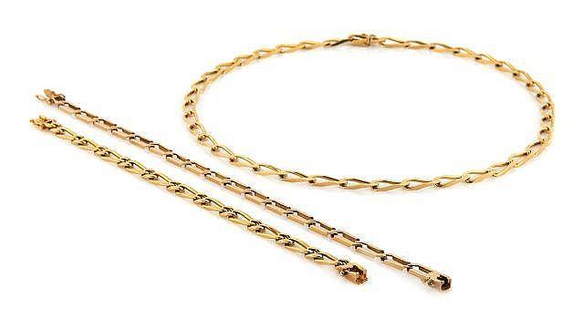 Collier et deux bracelets