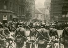 Photo Historic News French Army Enters Paris WWI