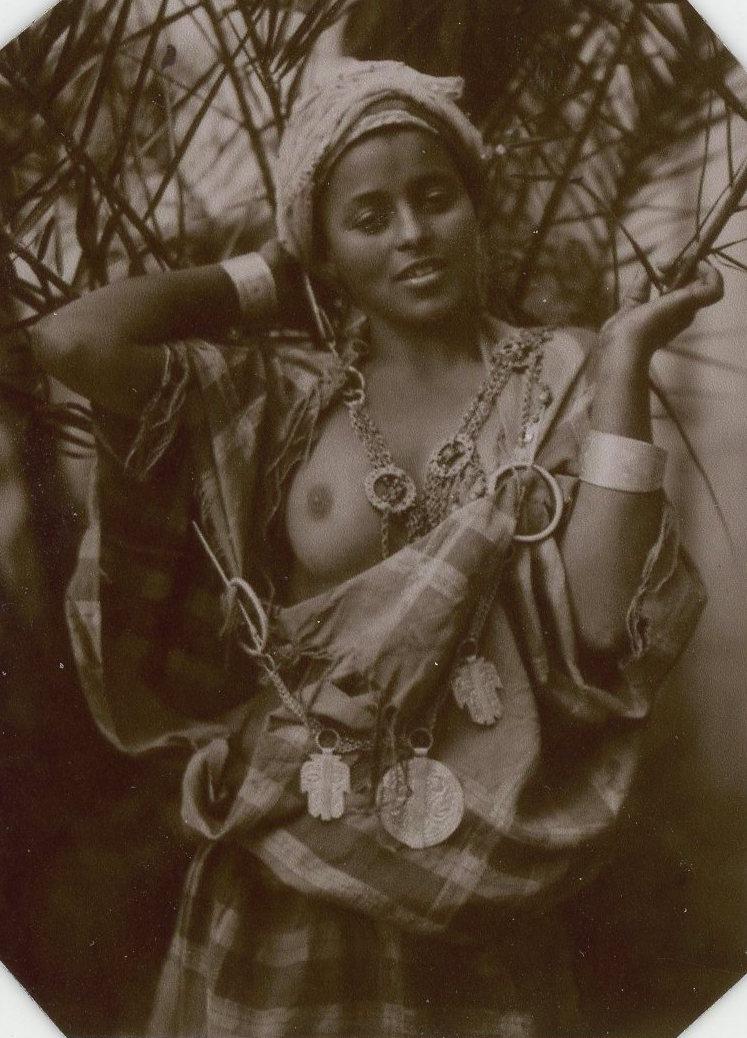 Nude photos of indian vintage women, teen fucks gang members