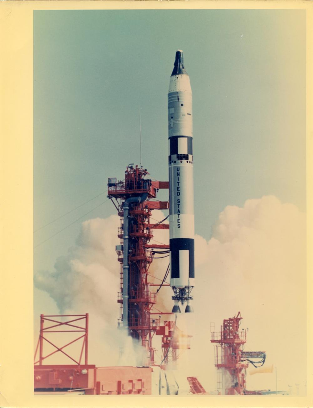 Historical Photo NASA Apollo, Gemini, Astronauts, 1960s