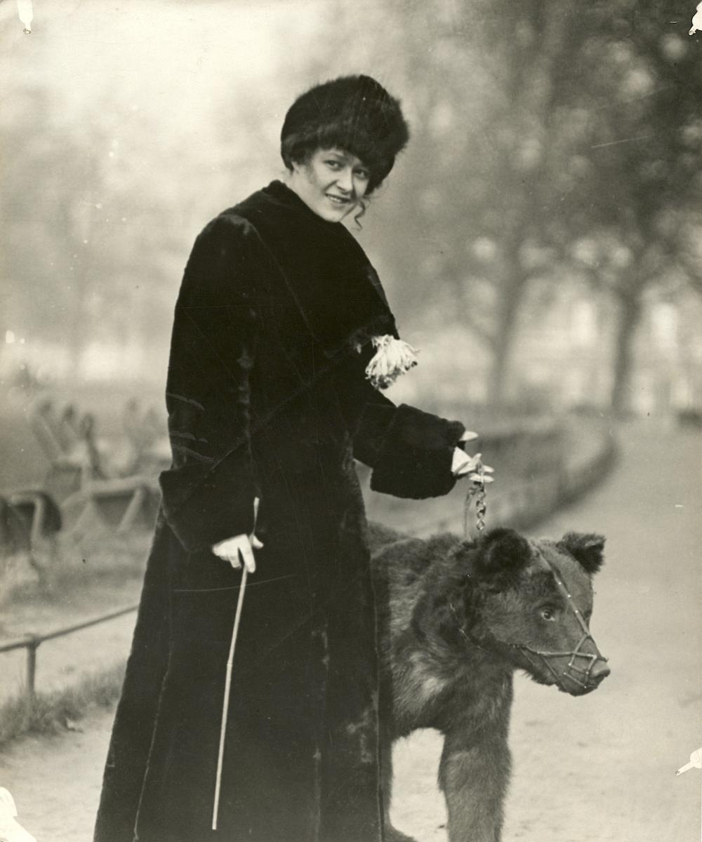 Historical Photo Miss Sonia and Bear, Circus