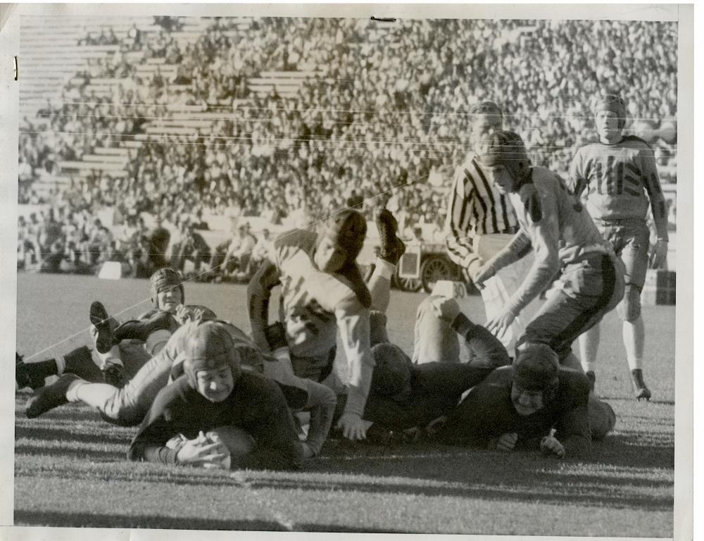 Historical Photo Football Kellog vs St. Mary 1933