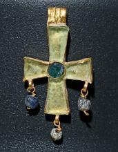 3rd C. Byzantine Gold / Glass Cross Pendant