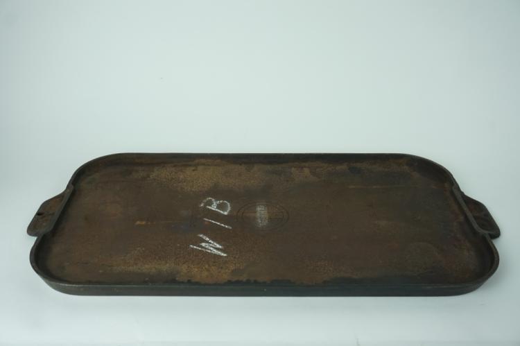 GRISWOLD #8 908A CAST IRON GRIDDLE