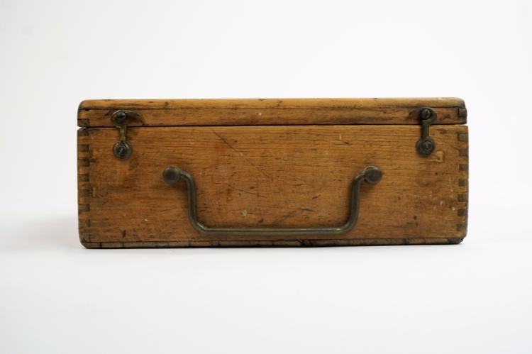 ANTIQUE YEAST SALESMAN SAMPLE BOX