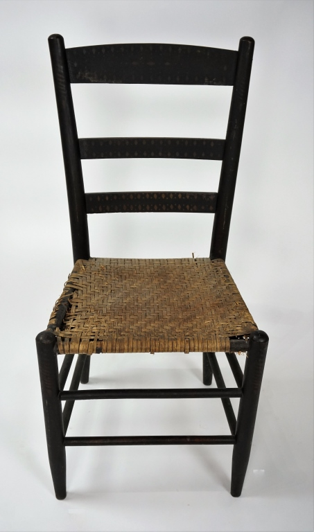 ANTIQUE SHAKER STYLE SIDE CHAIR