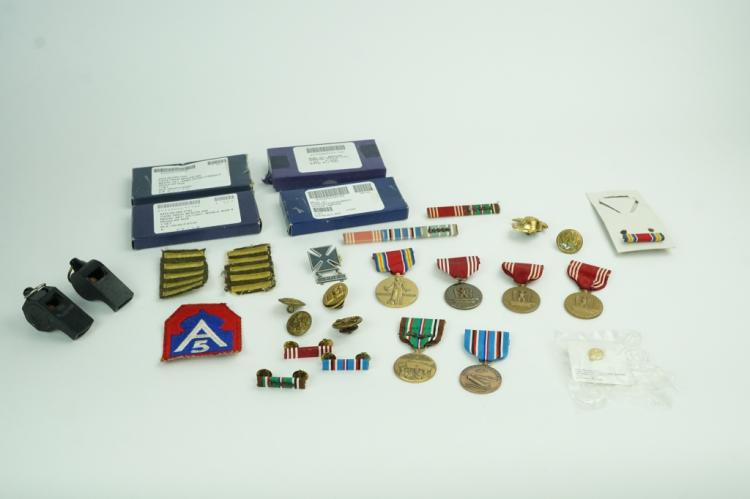 ASSORTED WORLD WAR II US ARMY MEDALS