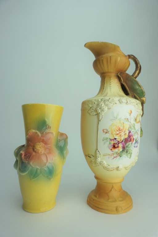 2pcs ASSORTED POTTERY VASES