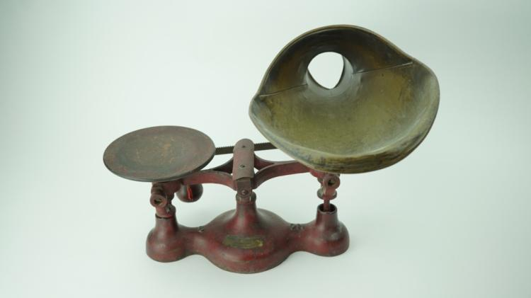 ANTIQUE JACOBS BROTHERS NO.3 COUNTER CANDY SCALE