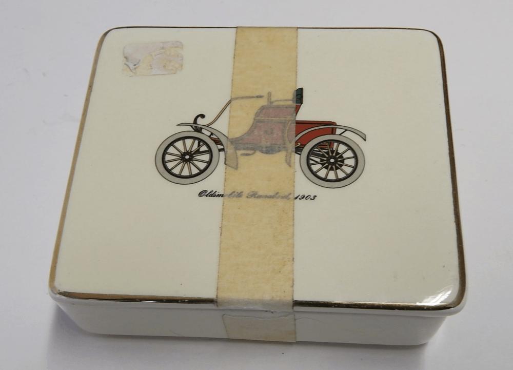"Bonboniere ""Oldtimer"",Waechtersbach,ca.10,5x9,5x4cm,leicht bestossen"