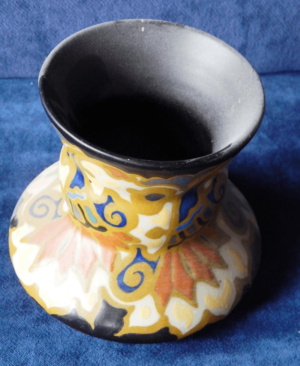 Bauchige Vase,Keramik,Gouda,bodenseitig bezeichnet Regina 468,Darla,Gouda,Holland,Höhe ca.11,5cm,Durchmesser ca.12,5cm