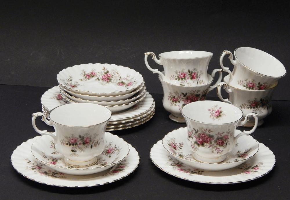 18-teiliges Kaffeeservice ohne Kanne Milch und Zucker,Porzellan Royal Albert,zusammen
