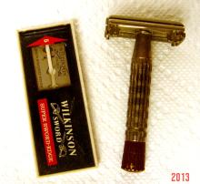 Double Edge Safety Razor with Blades