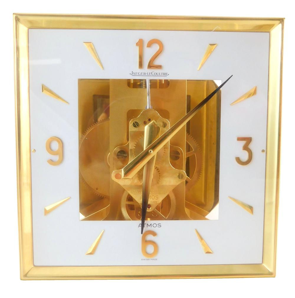 Le Coultre Atmos mantel clock, Fifteen Jewels, Swiss, operates on atmospheric changes, never needs winding, top-lift glass panel and...
