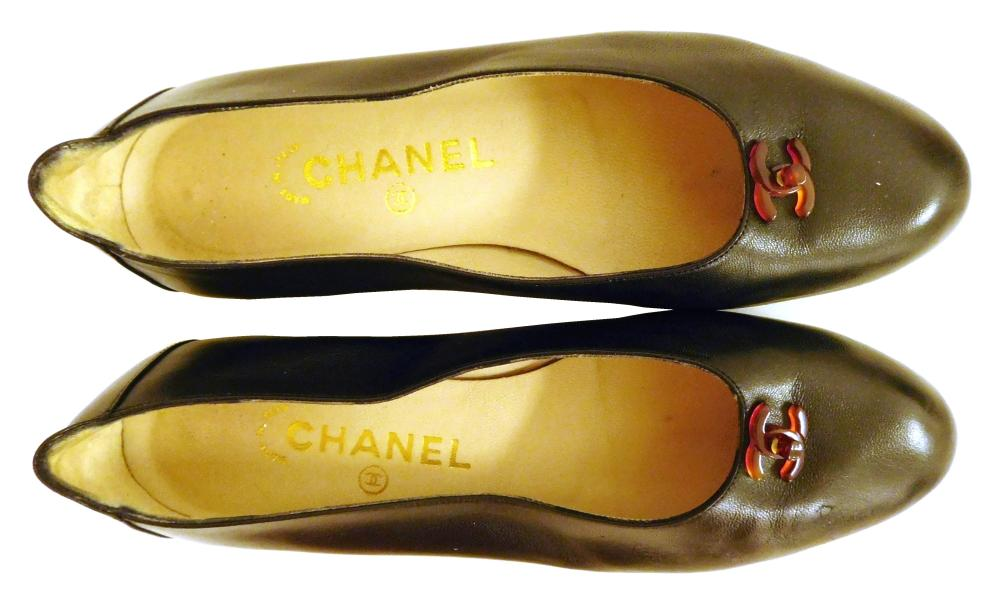 VINTAGE CLOTHING: Eight pairs of women's Chanel ballet flats, styles include: five monogramed black toe cap flats with bow, colors o..