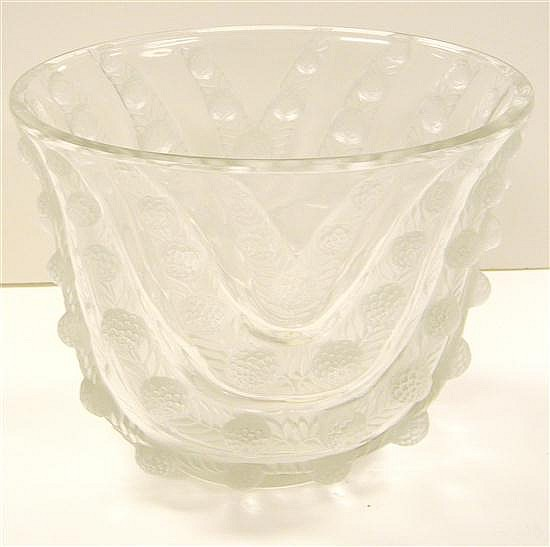 Lalique clear and frosted glass vase,