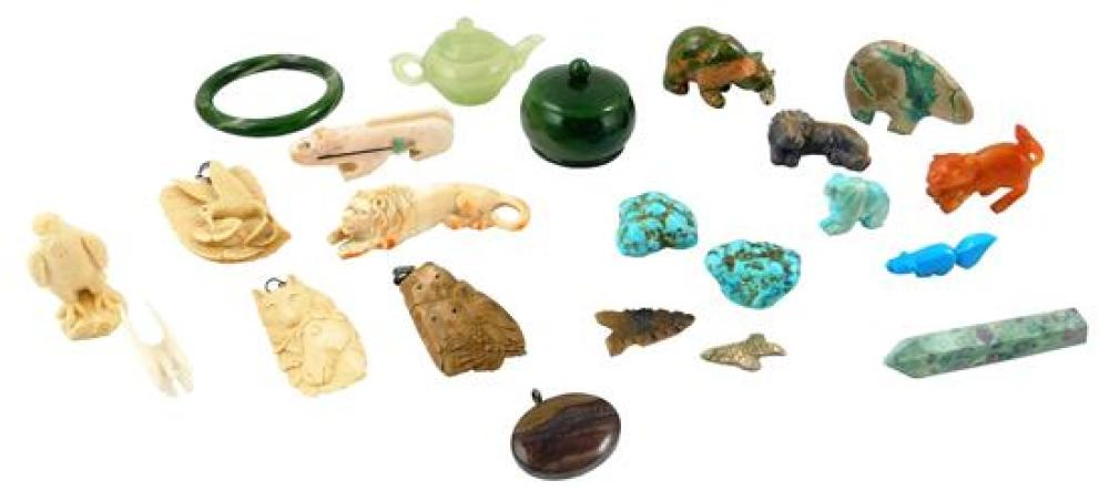 Carved hardstone, tusk and shell, 20+ pieces, several with tribal motif, items of interest include: Unakite bear holding fish; green...