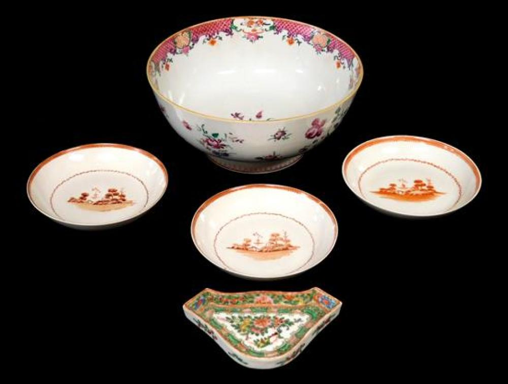 ASIAN: Chinese Export porcelain, five pieces total, late 18th to mid-19th C., including a famille rose punchbowl with floral spray deco