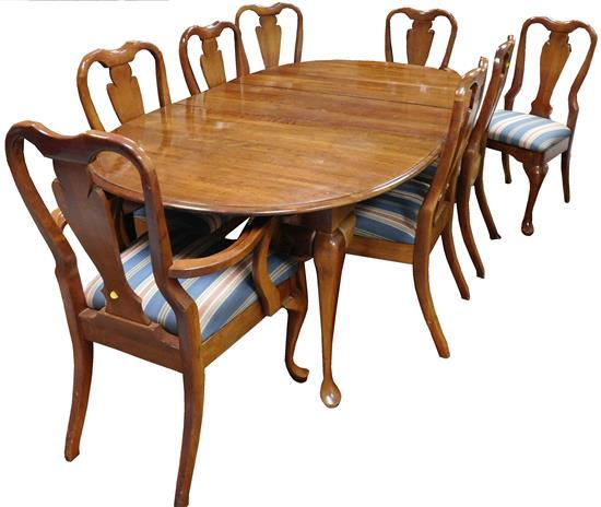 Lot Queen Anne Style 9 Pc Dining Room Table And Eight Chairs C 1980 Oval Dining Room Table Comes With Two Leaves Each Measuring 43