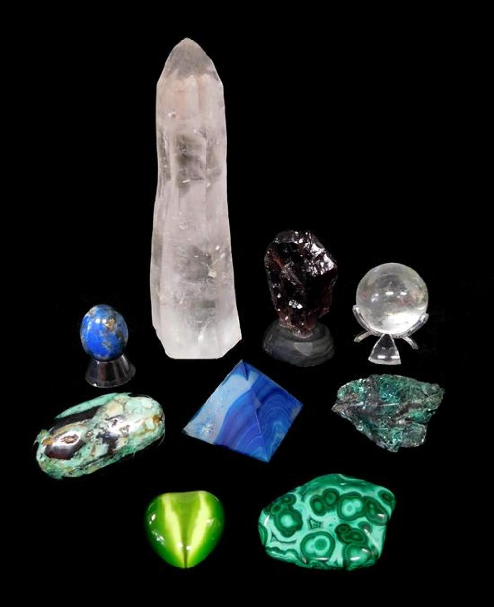 Semi-precious stones, some carved and polished, nine pieces including green tiger's eye heart, lapis type egg and pyramid; three gre..