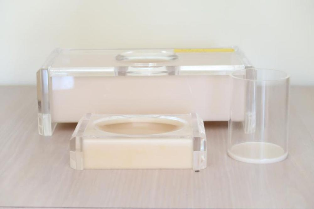 Thick Lucite (2) Tissue Holders, Soap & Cup