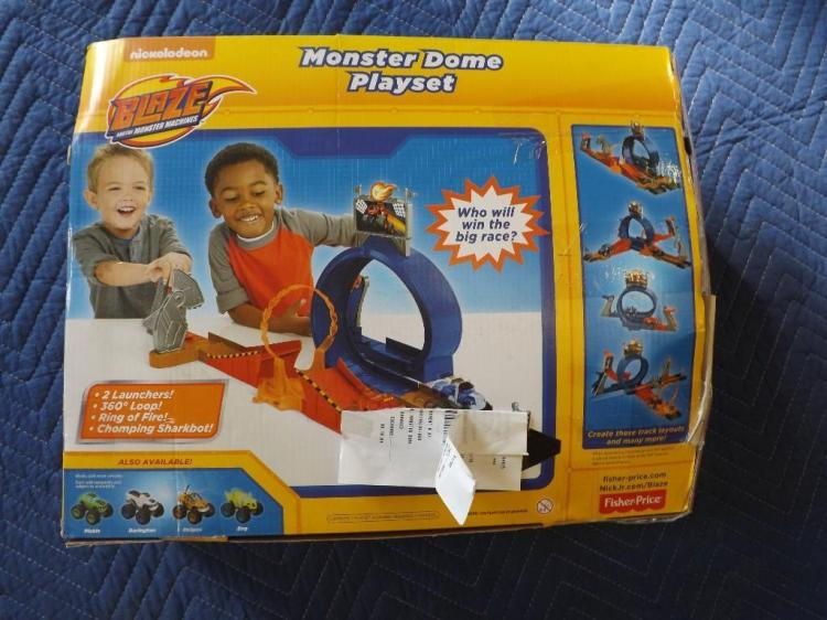 Fisher Price Car Track Set With Loop And Ring Of Fire