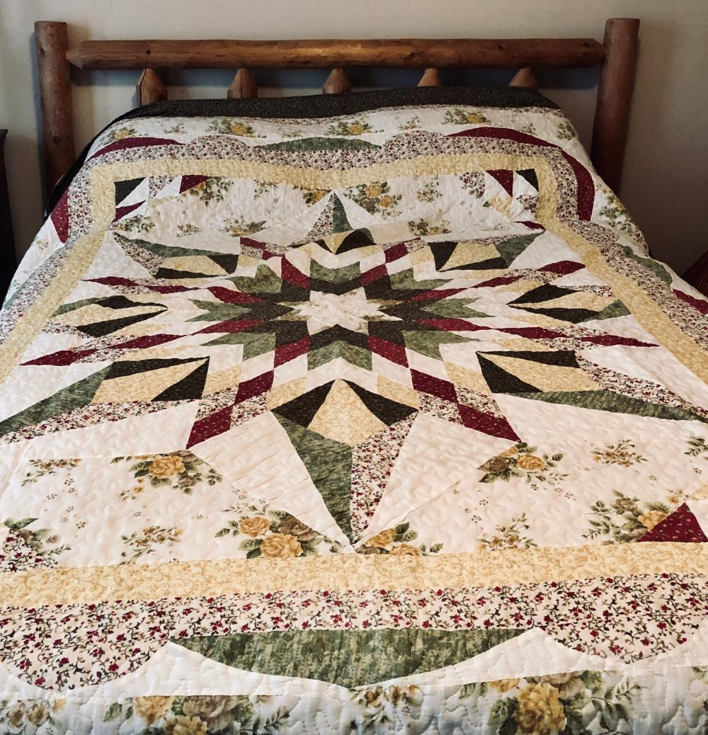 Lot 12: Star Pattern Quilt