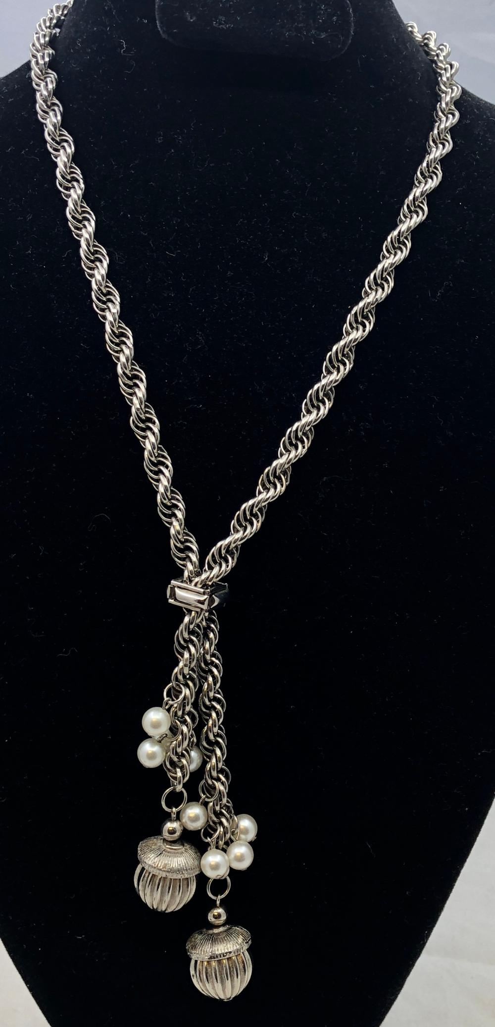 Lot 57: Chain Necklace