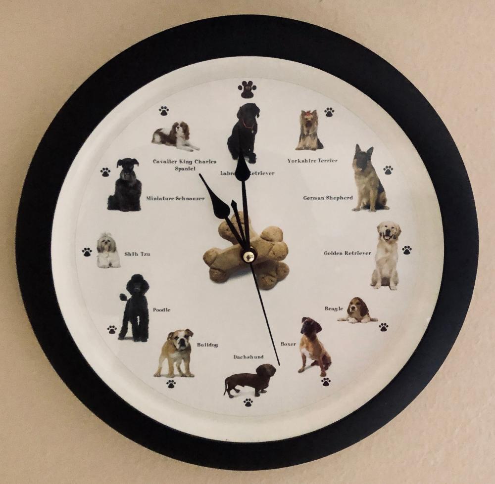 Lot 124: Quartz Clock